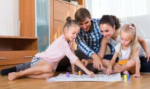 Aile Olarak Oynanacak Harika Kalem-Kağıt Oyunları