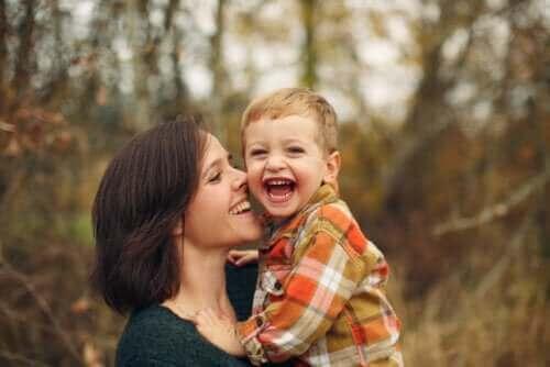 çocuklarda duygusal gelişim: anne ile çocuk arasındaki bağ