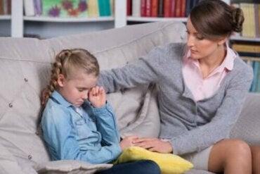 Çocuğunuza Bağırmaktan Kaçınmak: 9 Alternatif