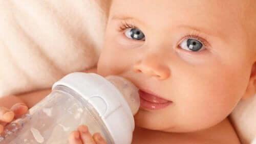 Bebeğinizin ne kadar suya ihtiyacı var?