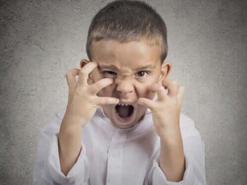 kızgın bağıran çocuk Çocukluk Çağı Saldırganlığı