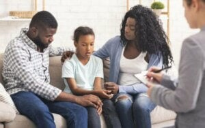 psikolog ziyaretinde aile