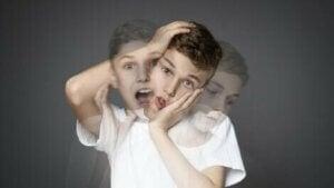 Halusinasyon gören çocuk