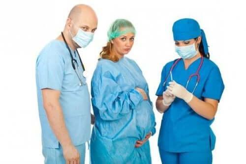 Epidural veya spinal anestezi arasındaki fark nedir?