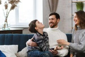 dilsel ifade oyunu oynayan bir aile