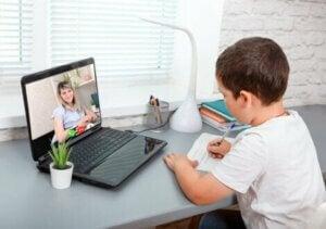 Online ders dinleyen sınıf