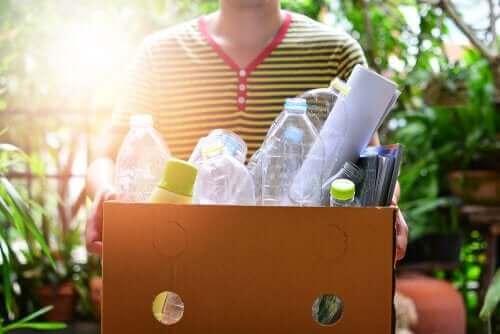 Plastik Şişeler İle Yapılabilecek El İşleri