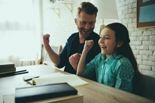 Çocuklarınızla Gurur Duyduğunuzu Nasıl İfade Edersiniz?