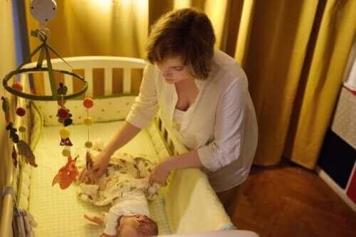 Bebeklerde İlk 6 Ay: Ailece Nasıl Uyuyabilirsiniz?