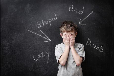 çocuklarda Pygmalion etkisi: öz saygısı düşük bir çocuk