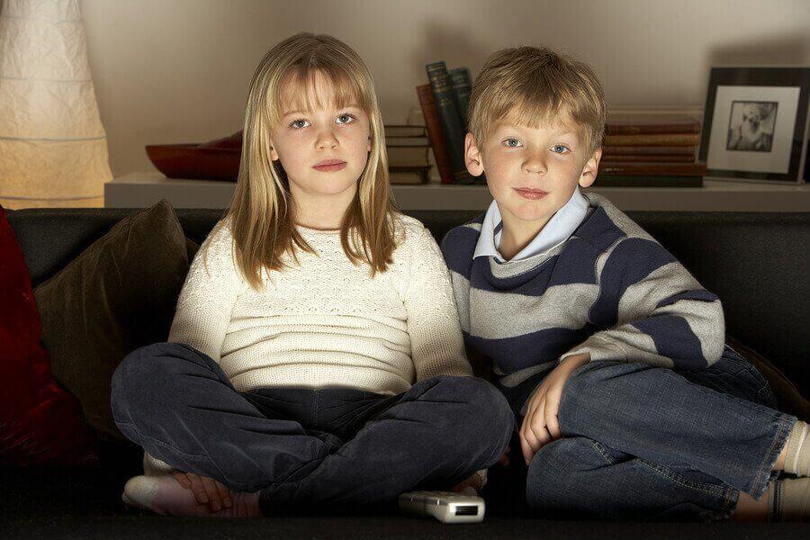 Çocukların Çok Fazla Televizyon İzlemesi Doğru Mudur?