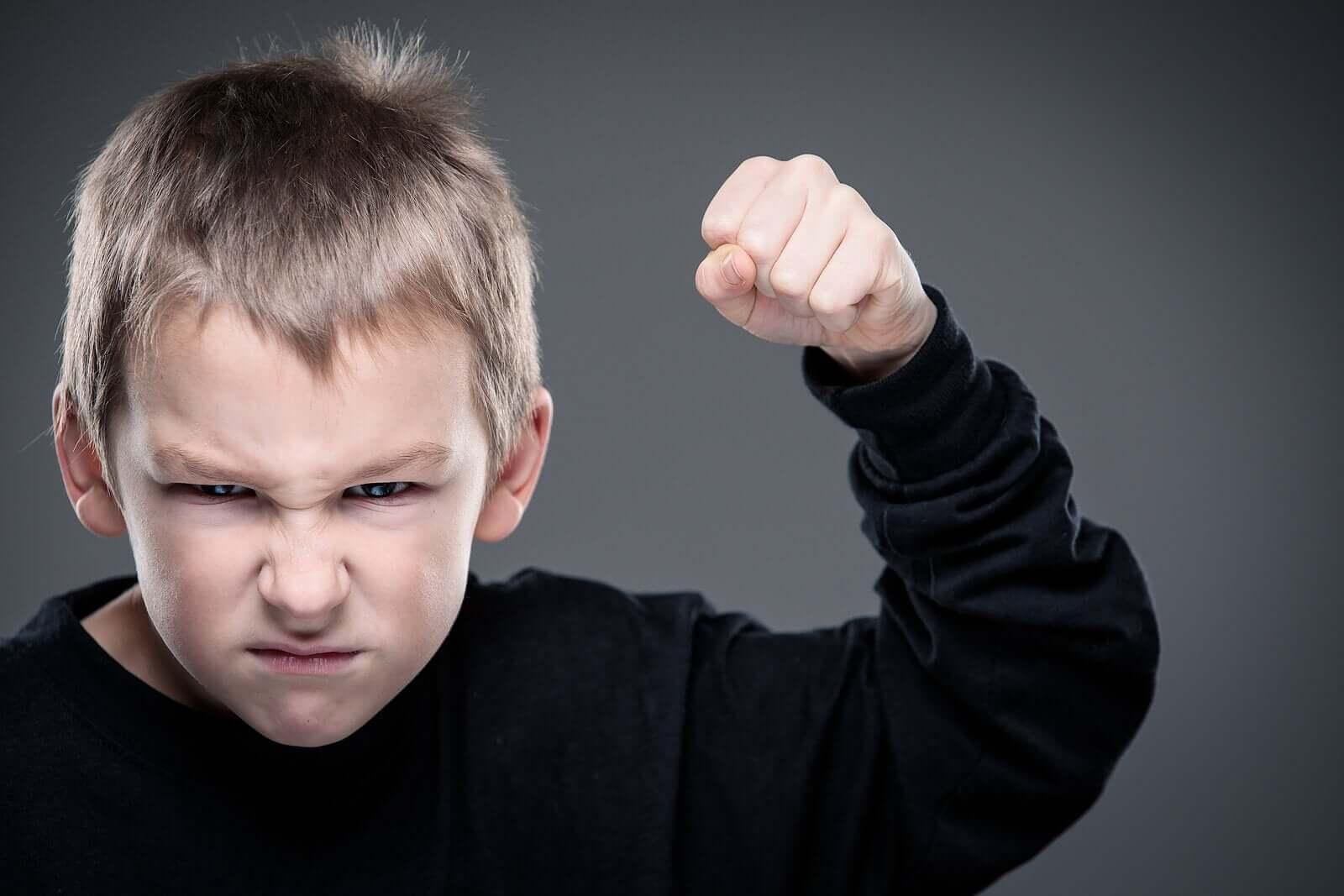 Antisosyal davranış bozukluğu olan çocuk