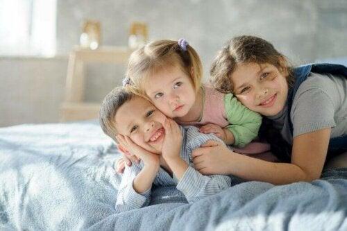 3 Kardeşli Yatak Odalarını Düzenlemek İçin 6 İpucu