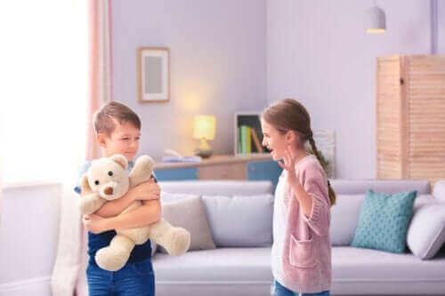 Çocuklarınız Sürekli Kavga Ediyorsa Bu Disiplin Araçlarını Deneyin