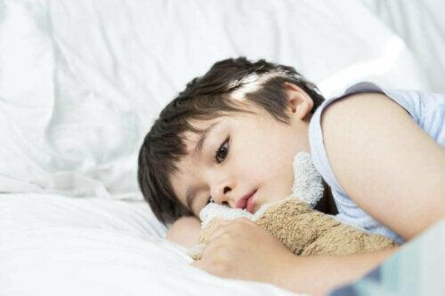yatakta yatan çocuk