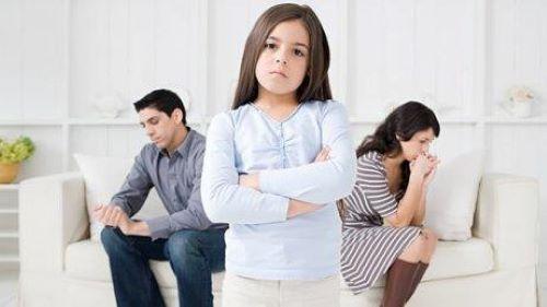 Çocuklarla boşanma hakkında konuşmak