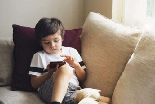 Telefonunuzu Nasıl Çocuk Erişemez Yapabilirsiniz