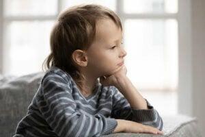 düşünen bir çocuk