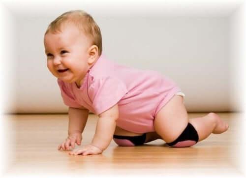 Bebeğin Emeklemesi Neden Önemlidir?