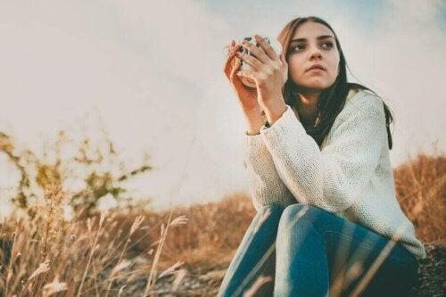 Ergenlikte Yalnızlık: Bilmeniz Gerekenler
