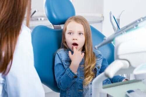 Çocuklarda Hassas Dişler: Belirtileri, Nedenleri ve Tedavisi