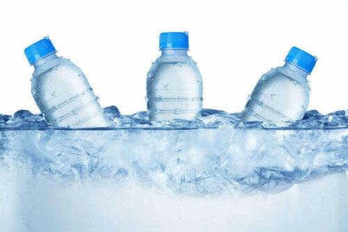 Çocuklarınıza Yazın Su İçmeyi Öğretin