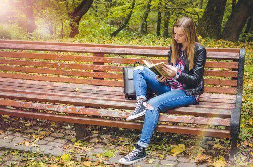 Gençler İçin Kitap Serileri: 8 Alternatif