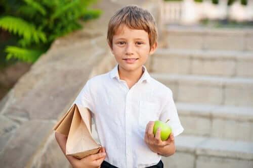 elma yiyen çocuklar