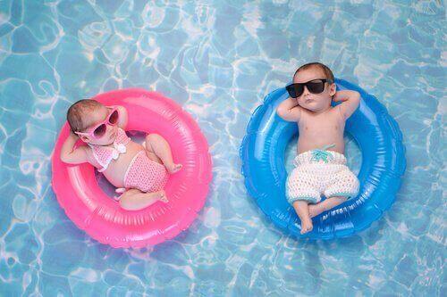 çocuklar, şişme havuz, havuz