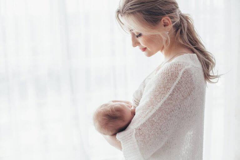 Aşırı Hassas Anneler: Avantajları ve Dezavantajları
