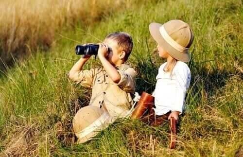 dürbün çocuklar çimler