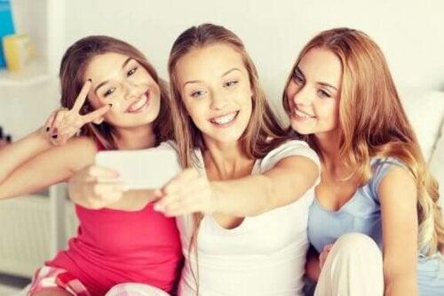 Instagram 'ın Ergenler Üzerindeki Etkisi