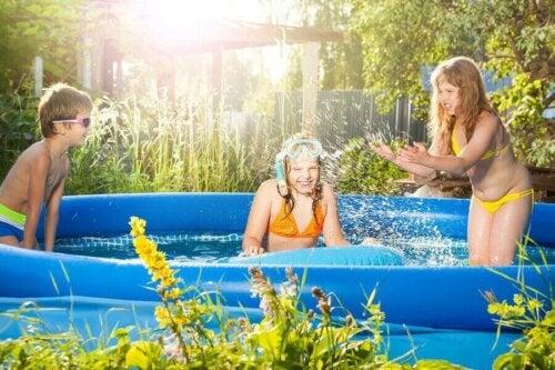 Yaz Aylarında Ailenizle Vakit Geçirebileceğiniz Şişme Havuzlar
