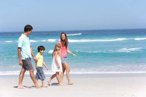 kumsal deniz aile yürüyüş