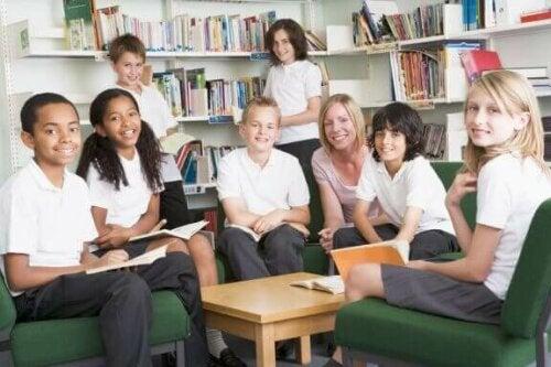 Okul Üniformaları: Çocuklar Aynı Kıyafeti Giymeli Mi?