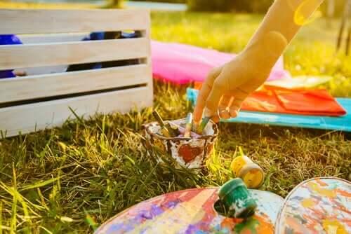 Çocuklarda yaratıcılığı geliştirmek için kullanılan bir aktivite.