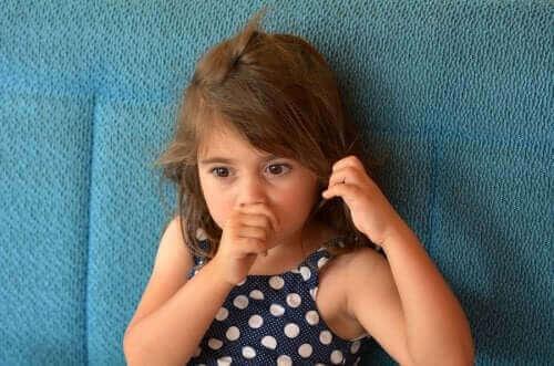 Çocuklarda Kötü Alışkanlıklar ve Tikler: Bilmeniz Gerekenler