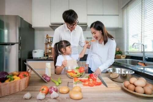 Çocuklarla Yemek Yapmanın Faydaları