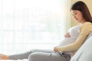 hamile bir kadın