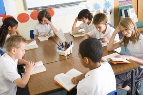 Ders Kitapları Gelecekte Eğitimin Bir Parçası Olacak Mı?