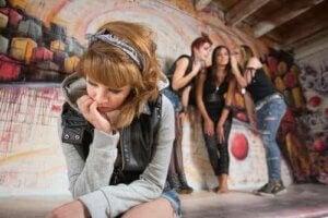 mutsuz ergen kız grup
