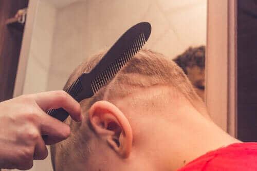 Çocuklarda Saç Dökülmesi: Bilmeniz Gerekenler