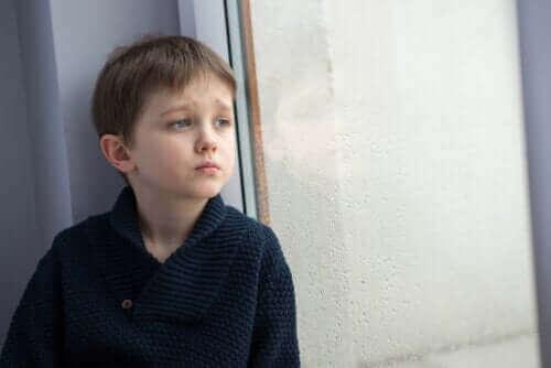 Kendini Yalnız Hisseden Çocuklar İçin Ne Yapmalısınız?